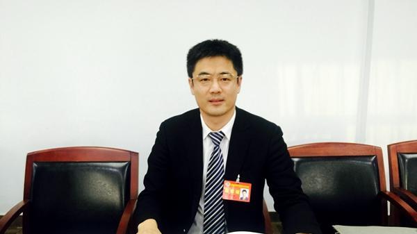 崔修滨:要敢于利用媒体对营商环境打造情况进行报道