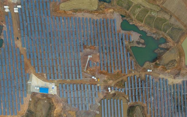 安徽省最大的废弃矿山光伏发电站在定远县成功并网发电