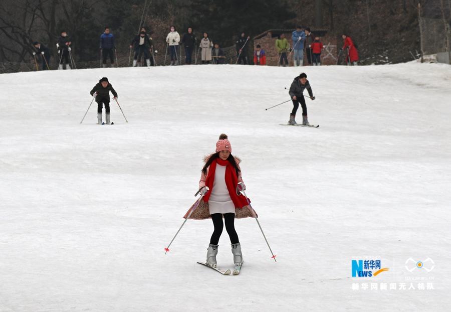 航拍:冬季到王屋山来滑雪