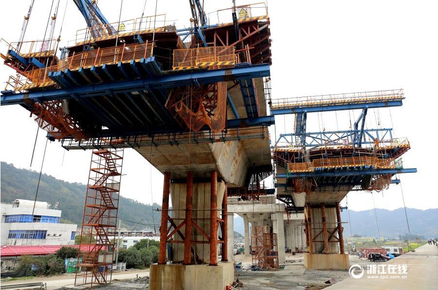 玉环:沿海高速公路乐清湾大桥及接线工程进入最后冲刺