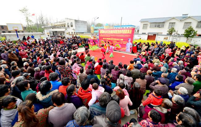 阜南:健康大戏唱响村头