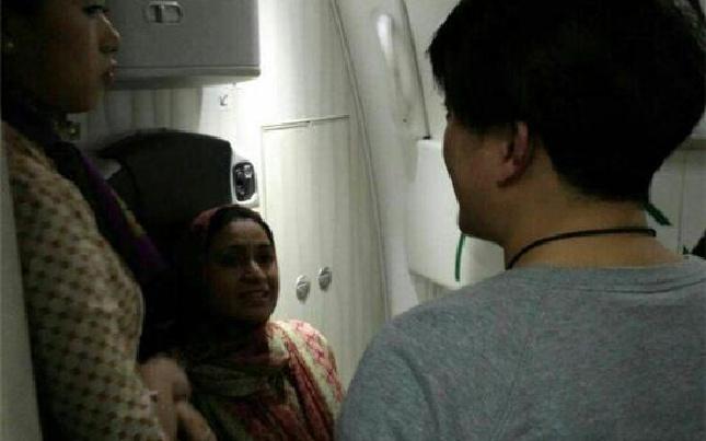 深夜国际航班突然SOS 杭州护师万米高空成功急救