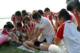 郑州慈善巡讲 教你如何防溺水