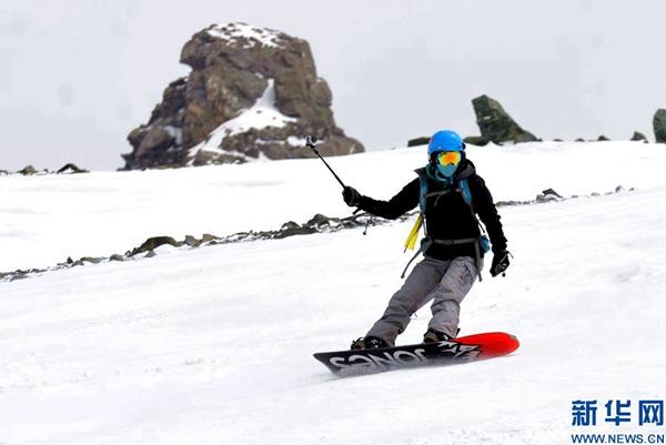 决战圣洁之巅:2017青海·岗什卡国际滑雪登山挑战赛13日揭幕