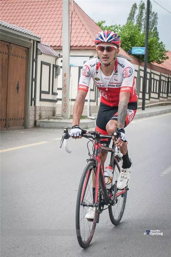 2017环阿塞拜疆第二赛段 青海天佑德小将王建才爬坡有实力