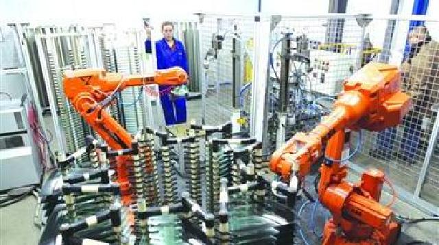 工业机器人车间唱主角