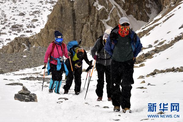 2017青海·岗什卡国际滑雪登山挑战赛开幕