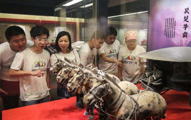 安徽铜陵:畅游博物馆 快乐过暑假
