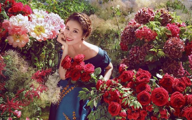 林心如婚前发唯美写真 准新娘宛若花仙子