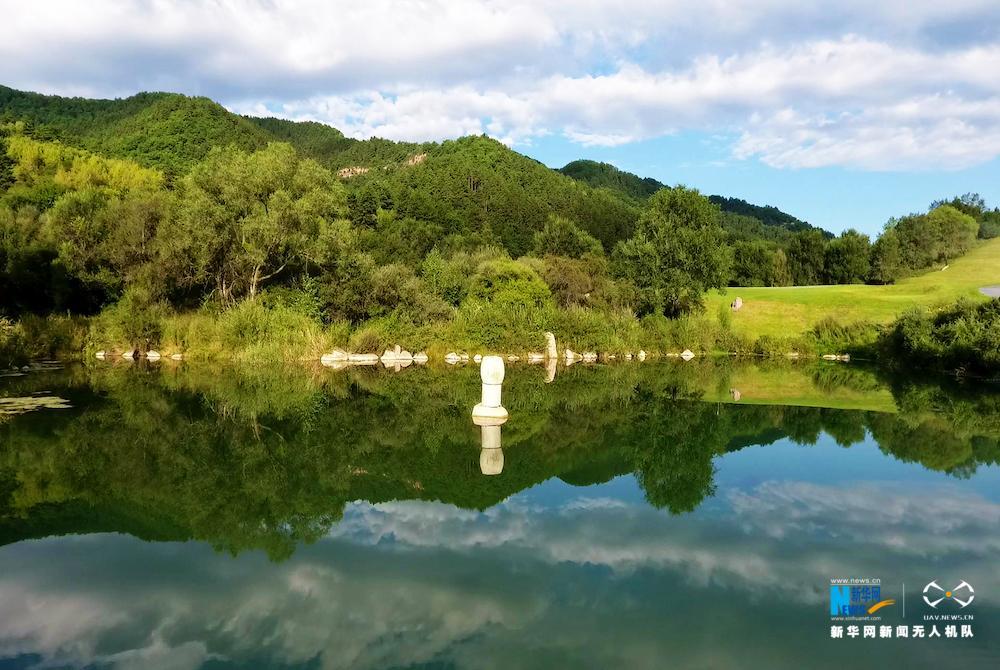 总面积360平方公里,是国家级森林公园,与国家级自然保护区庞泉沟接壤.