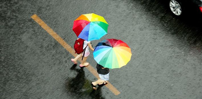 多地迎来入秋后首场降雨