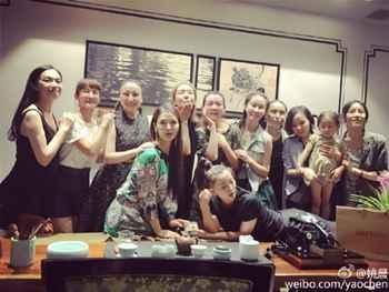 林志玲参加同学会 盘点明星同学聚会照谁最吸睛