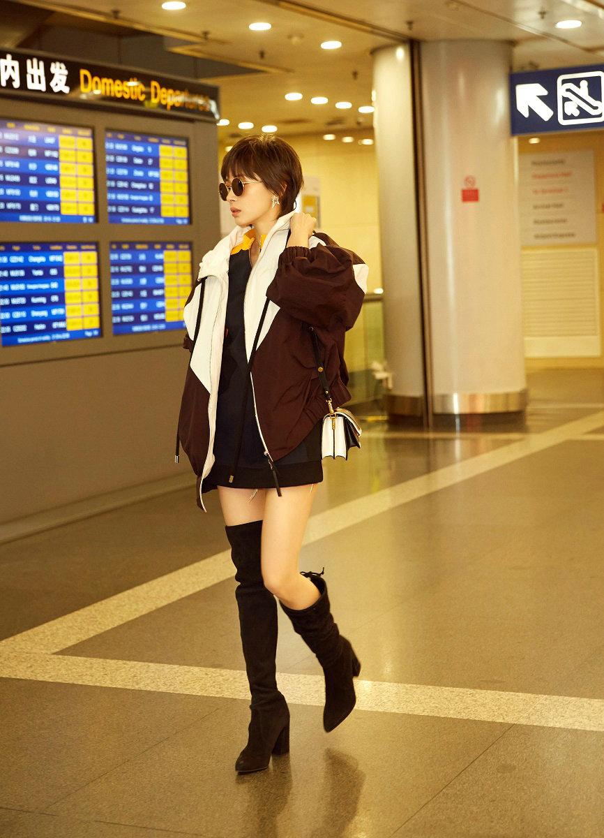 王子文曝机场街拍LOOK 网友 有点潮图片