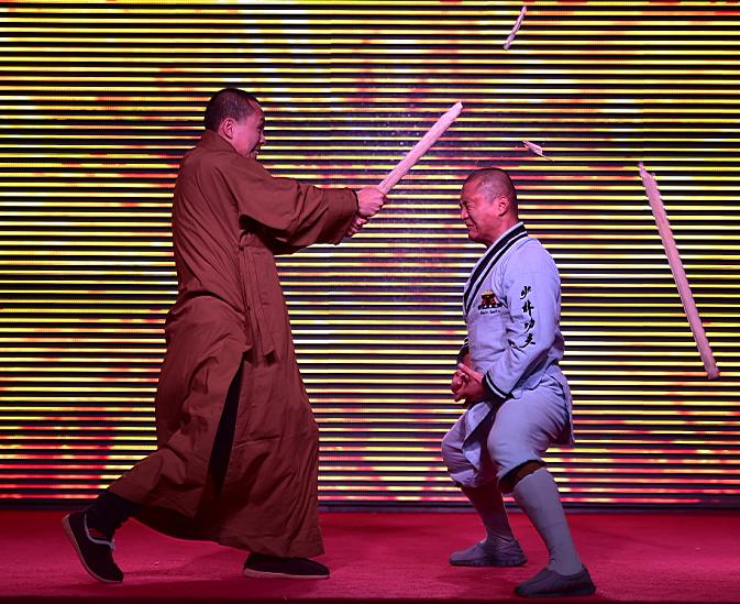 太原举行少林功夫表演,观众大开眼界