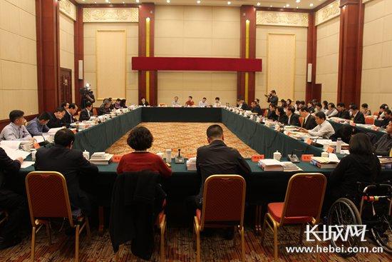 河北两会:政协委员建言经济强省美丽河北建设