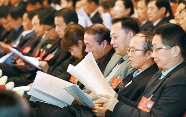 履职尽责 共绘蓝图——省十二届人大七次会议剪影