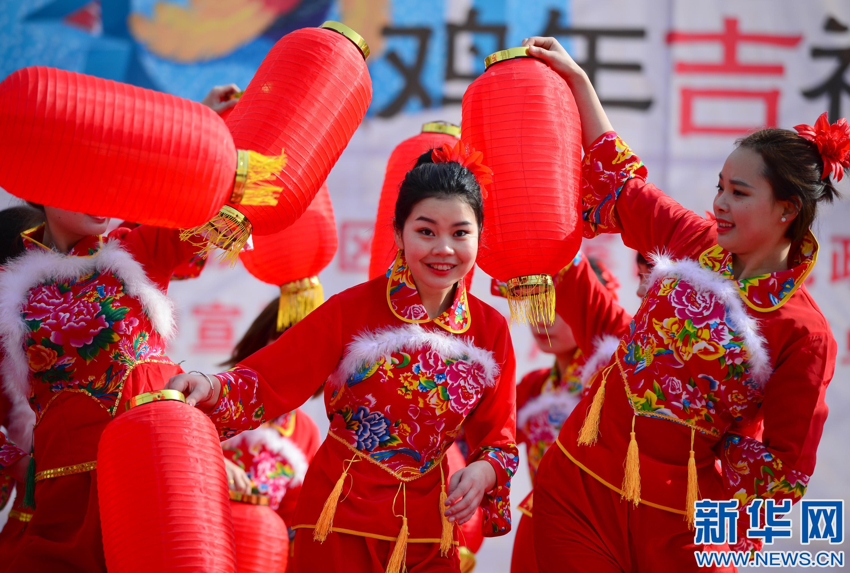 陕西安康:文化展演惠群众