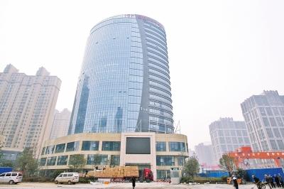 河南自贸区郑州服务中心建成 设18个办事机构