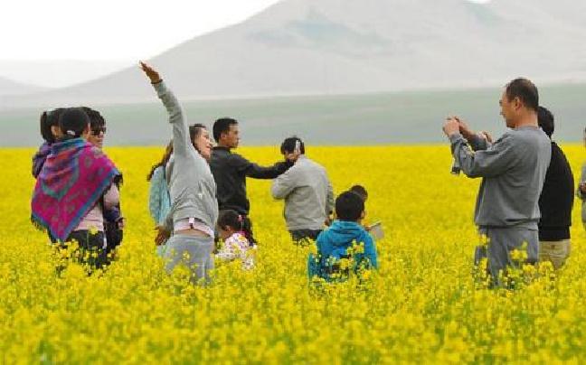 临沧市临翔区春节假日旅游市场火爆