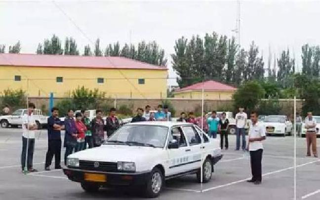 考驾照排长队体检 驾校将陆续纳入计时收费系统