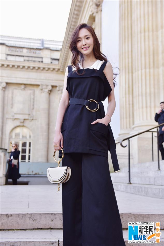 巴黎时装周2015唐嫣_唐嫣穿这么帅气都掩盖不住她的小清新/图-新华网河北