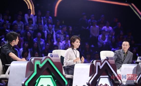 """豫剧名师18年养六孤儿 曾当选""""感动中国""""人物"""