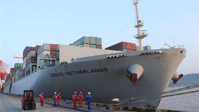 """大連""""船用岸電""""成功對接萬噸國際貨輪"""