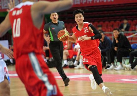 全运会男篮成年组预赛:解放军胜吉林
