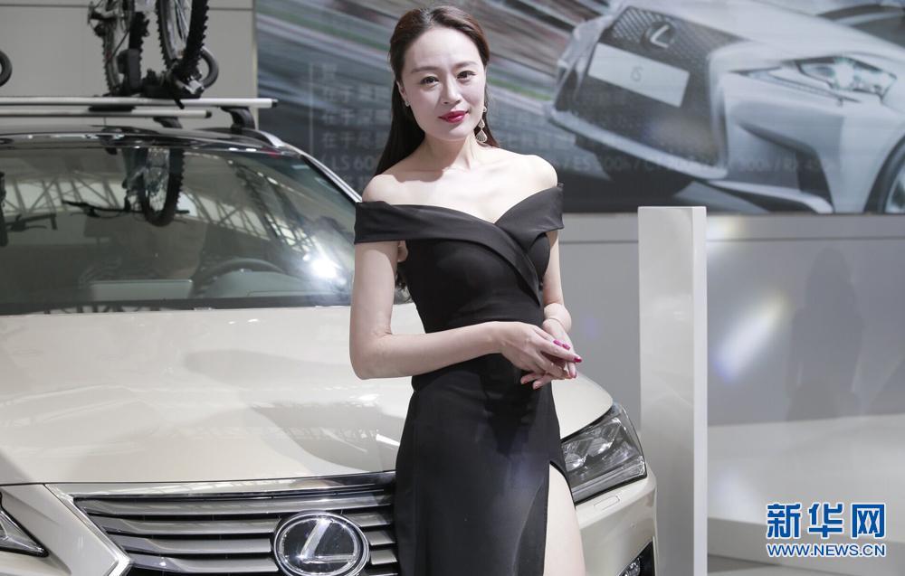 【高清组图】靓丽车模亮相西安五一车展