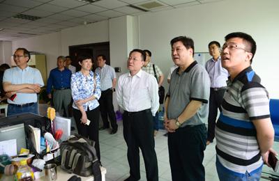 西工大党委书记张炜一行到新华社陕西分社调研
