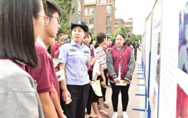 (信息)河南省第一强制隔离戒毒所警察走进学校 开展公益宣传活动