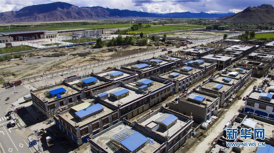 """青藏铁路沿线崛起""""新城市群"""""""