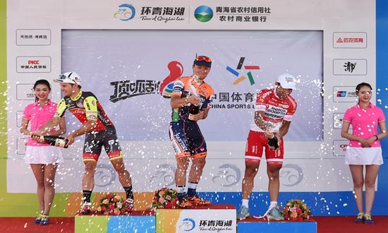 自行车——环青海湖国际公路自行车赛进入第八赛段