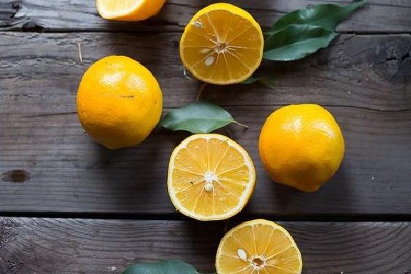 击败夏日肌肤问题 你只需要吃点酸甜水果!