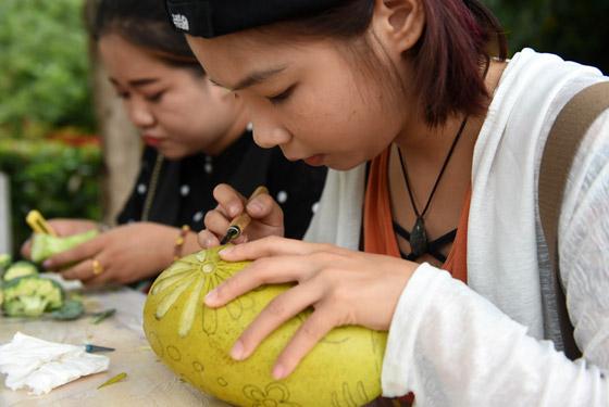 广西:小芒果撑起富农大产业
