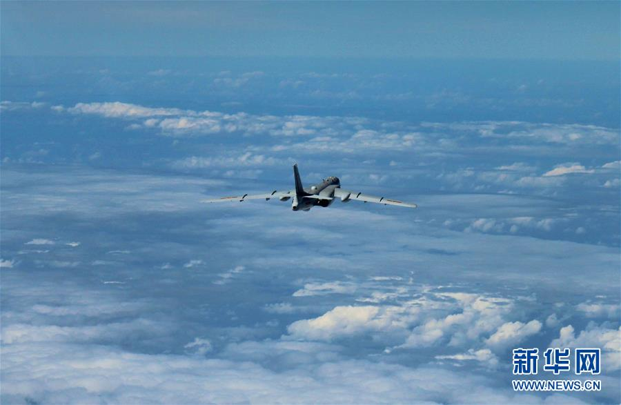 中国空军多型主战飞机赴南海战斗巡航