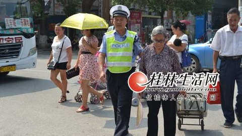 桂林交警优秀协管员黄久明:平凡岗位上书写不平凡