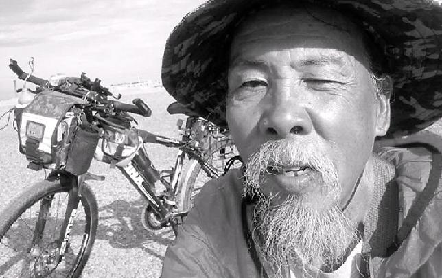"""66岁圆了少年梦 温州老人骑出""""横贯线"""""""