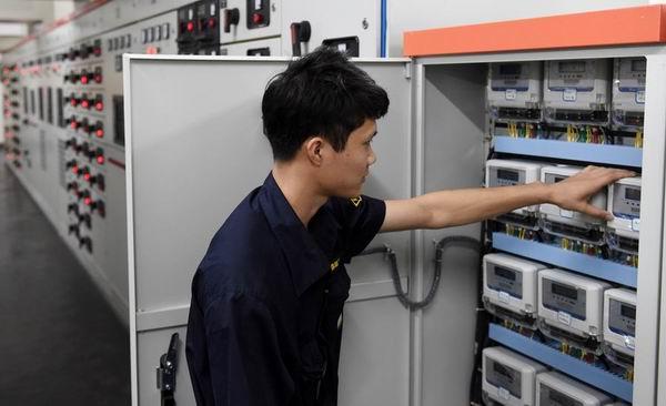南宁:监测网络严把公共机构耗能关