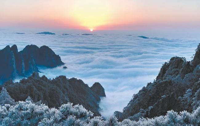 雪后黄山云海奇观似美丽画卷