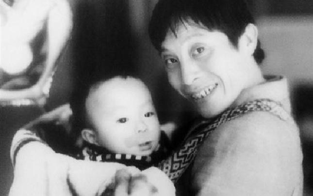 26年,他拯救了3萬多名孩子的微笑