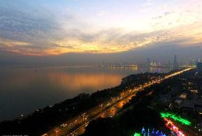 东渝人家专栏:晚霞中的深圳