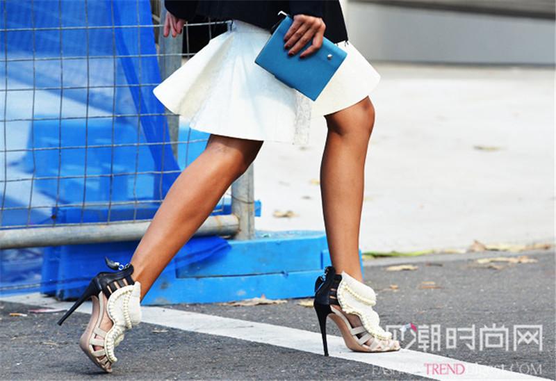 高跟鞋瞬间UP魅力值 秒变仙女的细跟鞋穿搭范例