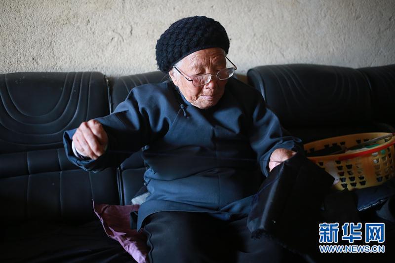 """94岁浙江宁海""""功夫奶奶""""舞枪弄棒身体硬朗"""