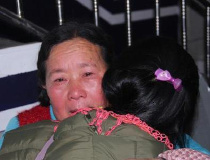 云南一母女失散20年后重聚