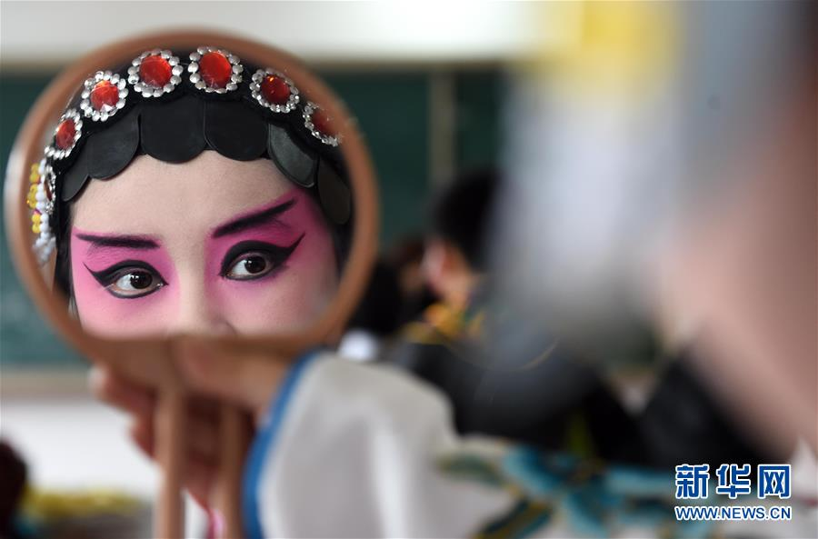 安徽瑶海:戏曲进校园 传承在身边