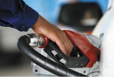 原油六连跌 国内油价调整或二度搁浅
