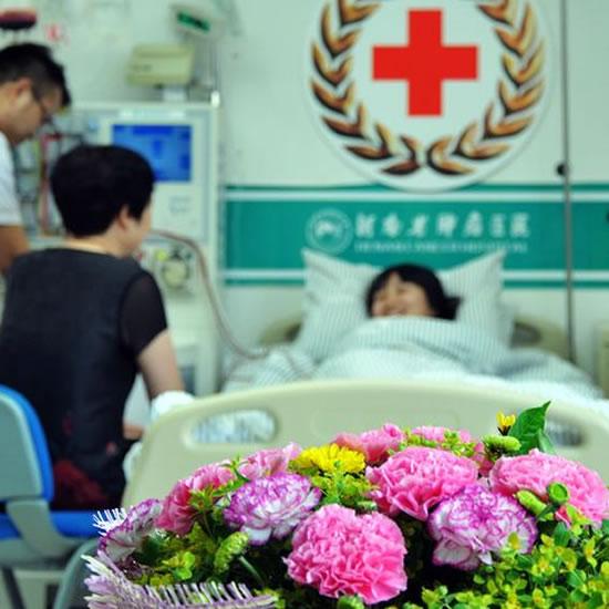 """80后""""白衣天使""""捐献造血干细胞"""