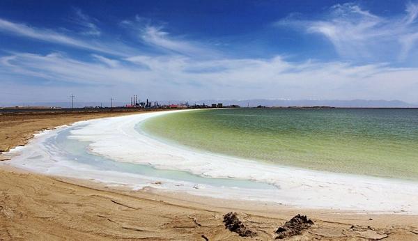 """青海察尔汗盐湖:梯级开发""""巧""""循环 打造""""生态镁锂钾园"""""""