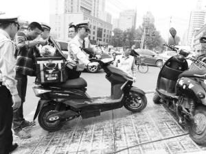 省会长安交警大队协警崔金彪的一天